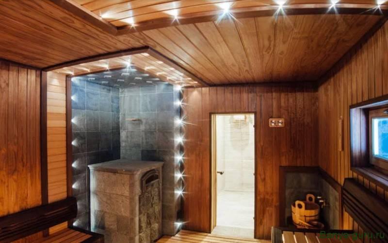 Высота потолка в бане из сруба