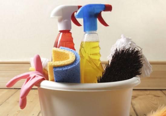 средства, чтобы помыть баню